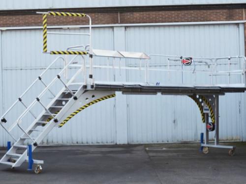 Piattaforme per manutenzione aerei Airbus su misura da SVELT