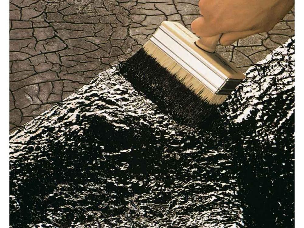 Ripristino e impermeabilizzazione di tetto con rivestimento liquido DERBIGUM