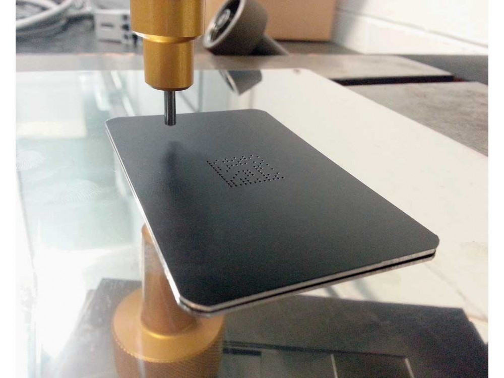 Marcatori a micropercussione per materiali metallici e plastici