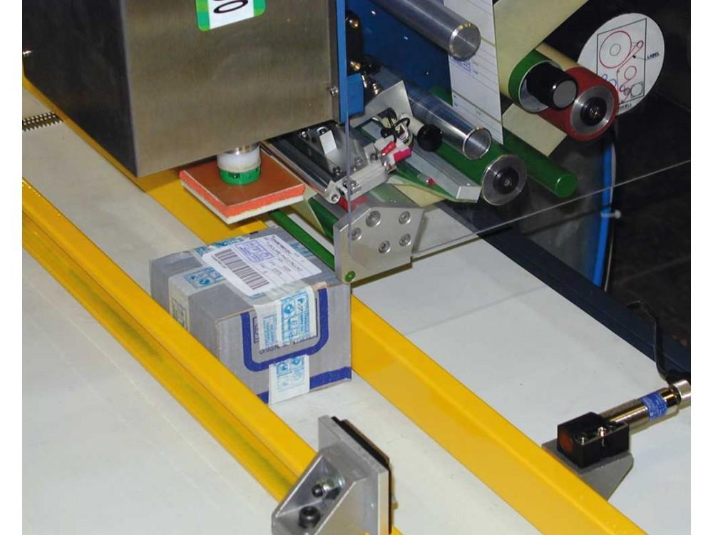 Sistemi stampa-e-applica etichette