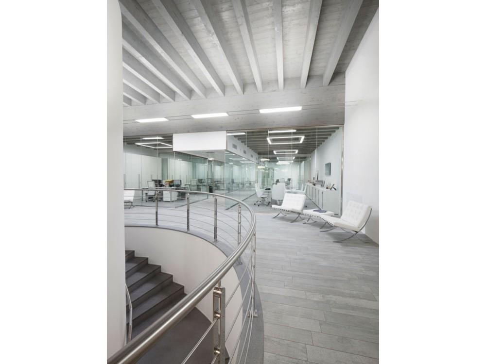 Ampliamento con strutture miste di una palazzina uffici