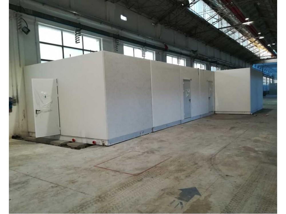 Box per servizi igienici e spogliatoi in complesso industriale