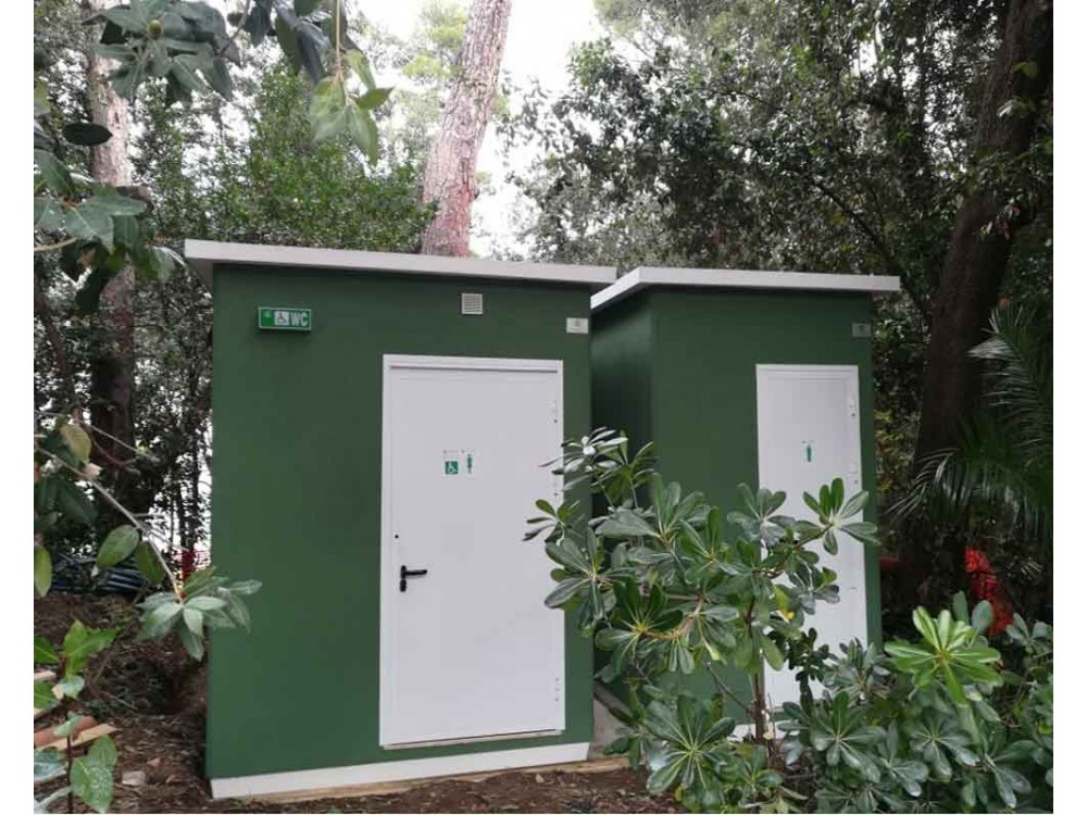 Servizi igienici pubblici prefabbricati per esterni