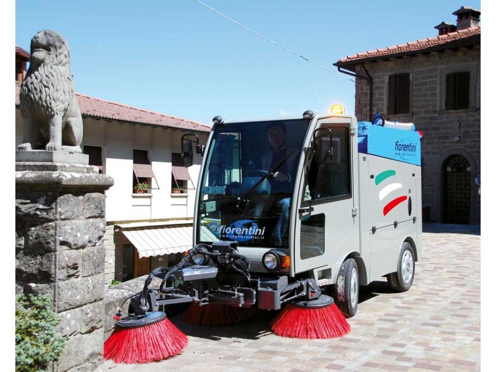 Spazzatrice stradale FIORENTINI S150 con motore turbodiesel