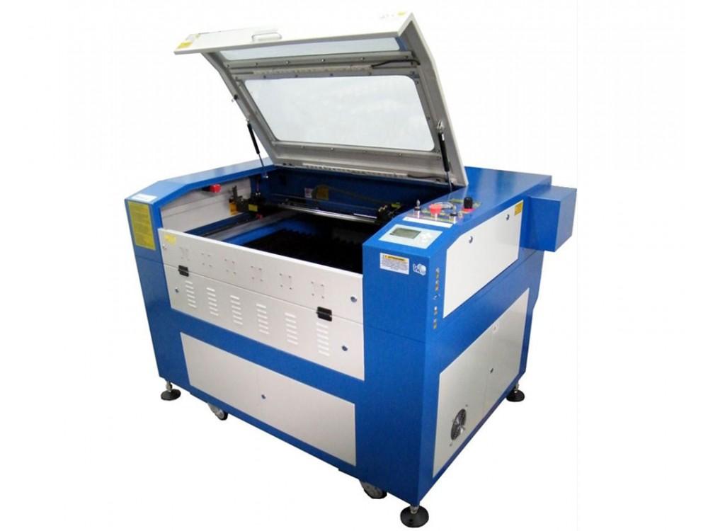 Macchina per taglio laser e incisione