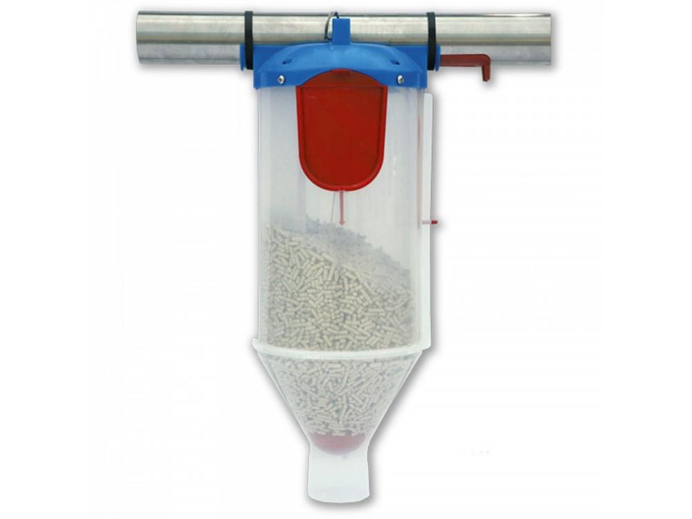 Dosatore in plastica per mangimi