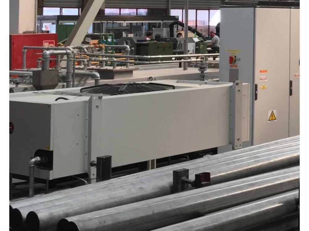 Forno di solubilizzazione con trasporto a rulli ceramici per l'acciaio