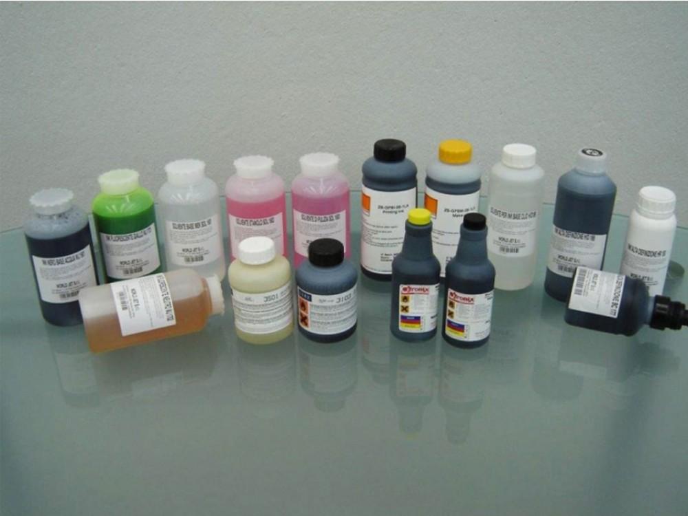Una vasta gamma di inchiostri e solventi per la codifica