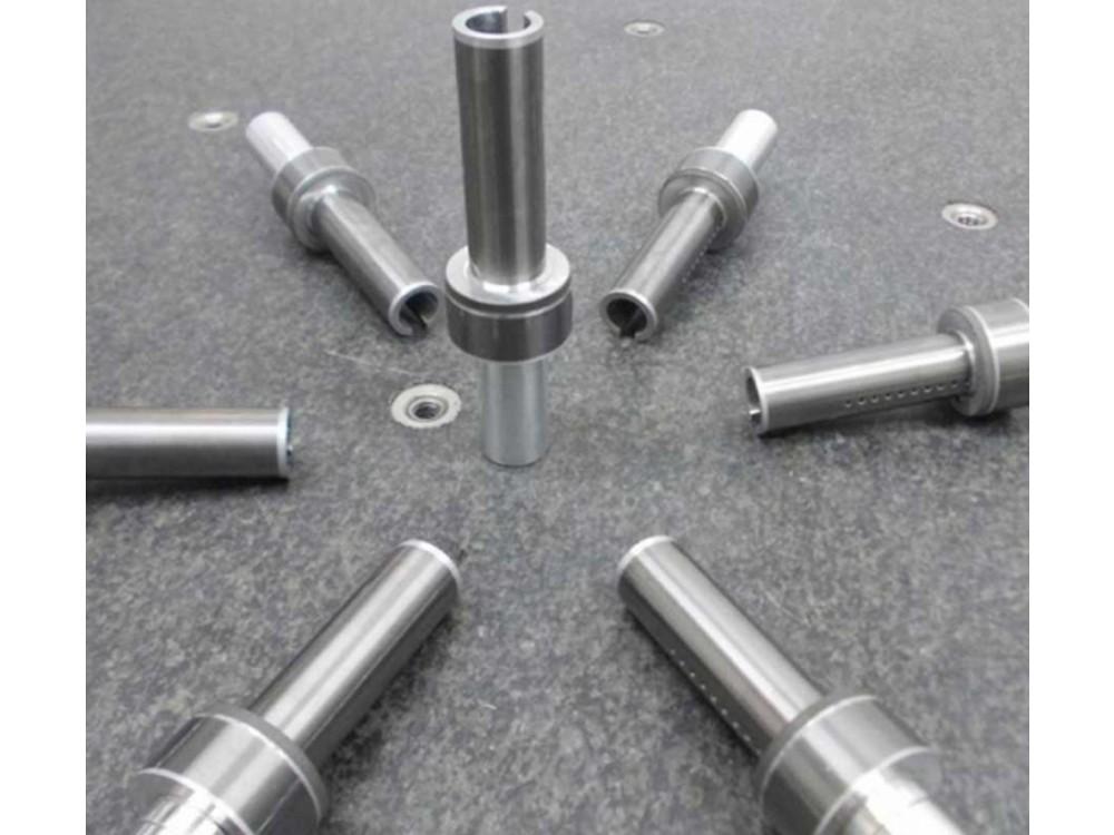 Rivestimento ceramico-metallico per rulli cavi in alluminio