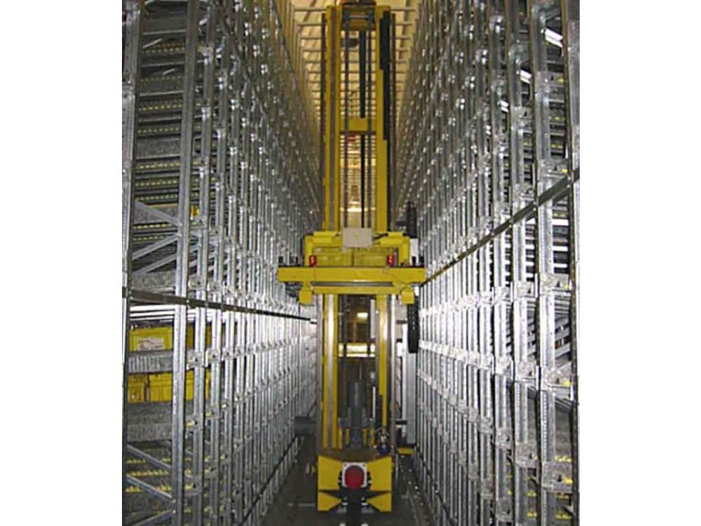 Impianto trasloelevatore per magazzino automatico