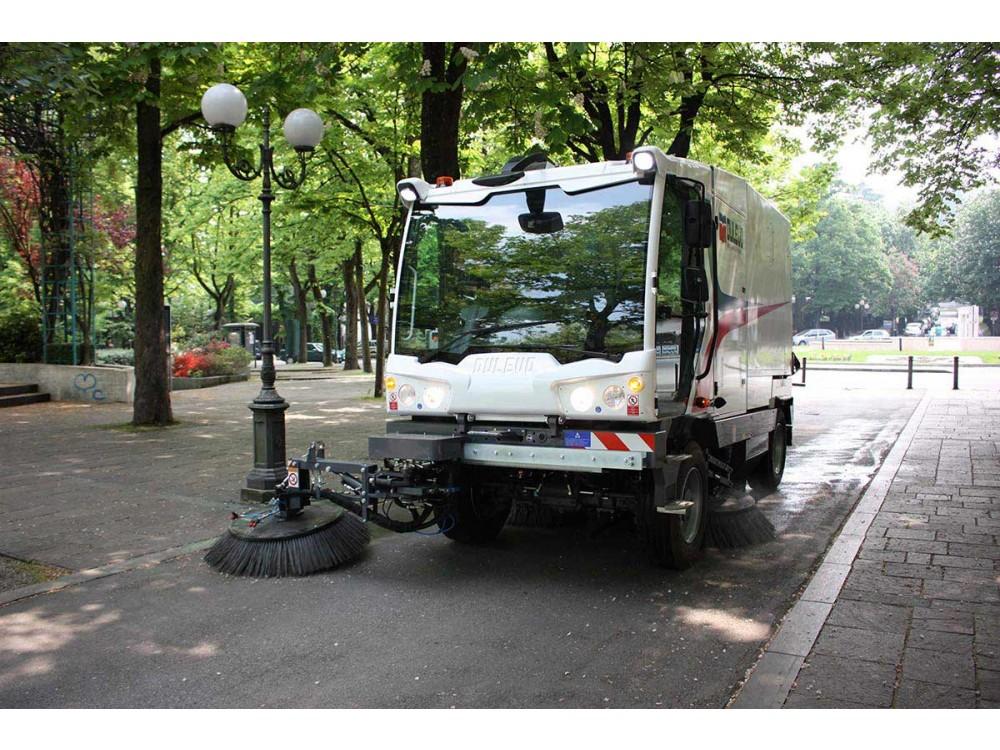 Grande spazzatrice stradale meccanico-aspirante Dulevo 6000
