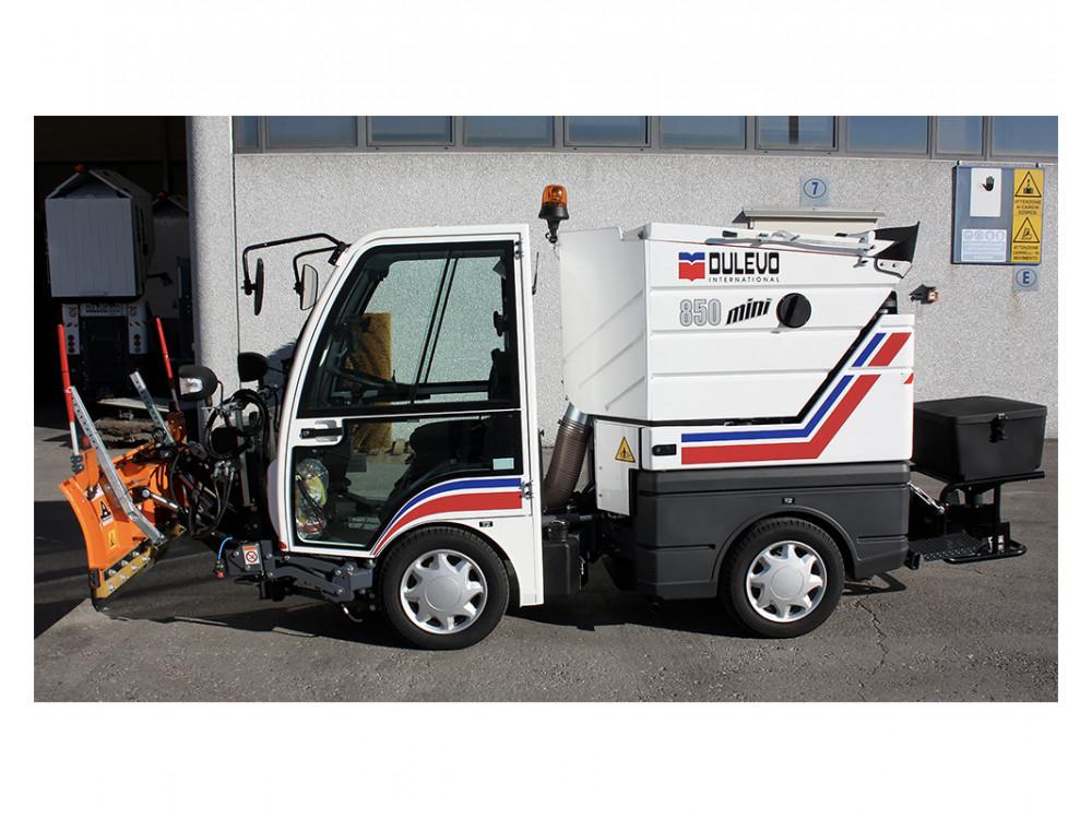 Spazzatrice stradale aspirante 850 con kit multifunzione