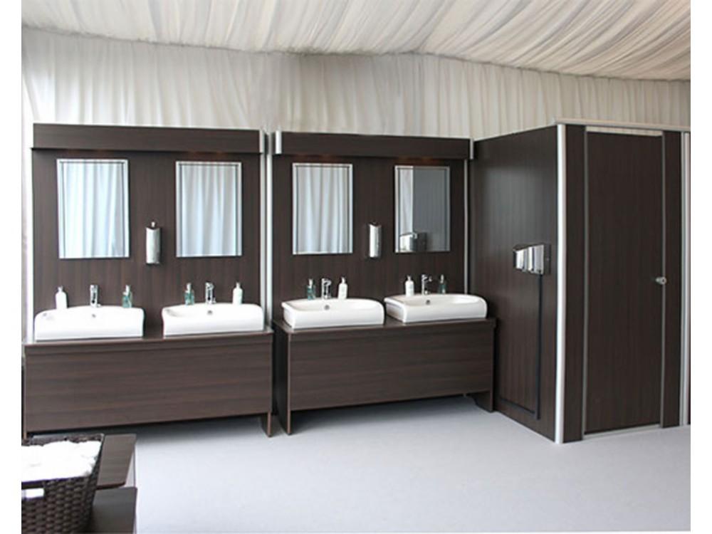 Allestimenti bagni con arredi modulari