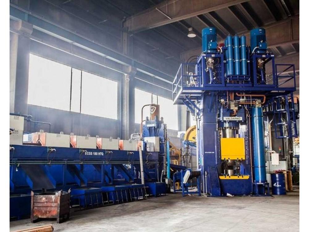 Impianto automatico per la laminazione a caldo di anelli