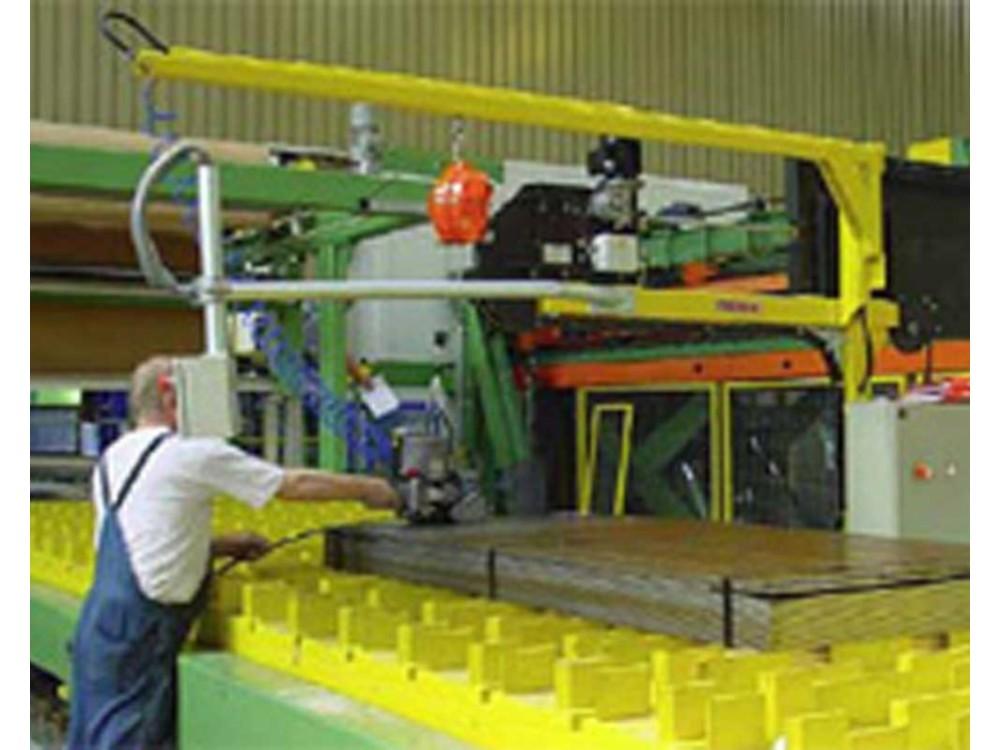 Impianto reggiatura semiautomatica per lamiere