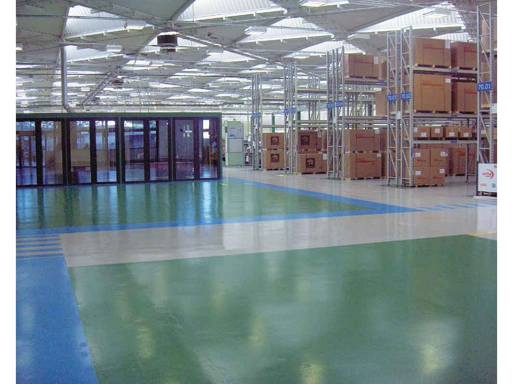 Massetto epossidico Solidity-Epoxy-P realizzato in zona deposito