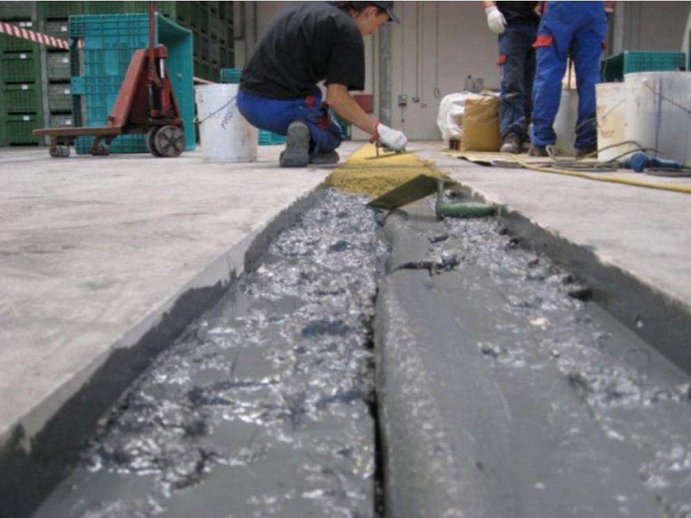 Consolidamento-ripristino di pavimento industriale