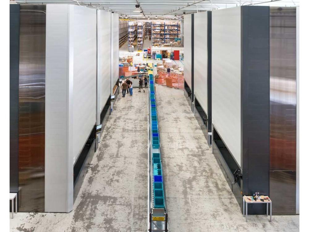 Magazzino verticale Vertimag EF per stoccare materiale di ogni formato peso e dimensione