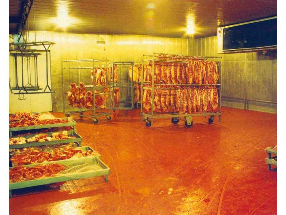 Pavimentazione igienica in azienda alimentare - reparto lavorazione carni