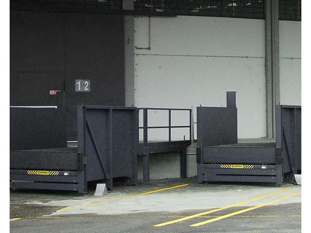 Banchine metalliche per aree di carico e scarico
