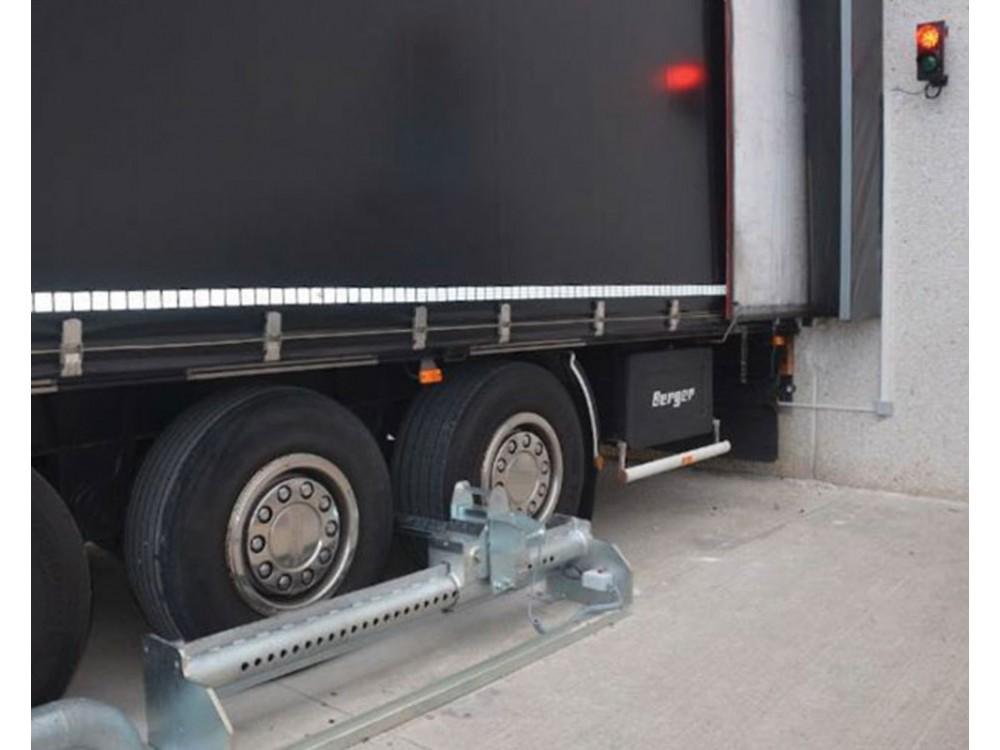 Sistema manuale di sicurezza per banchine di carico