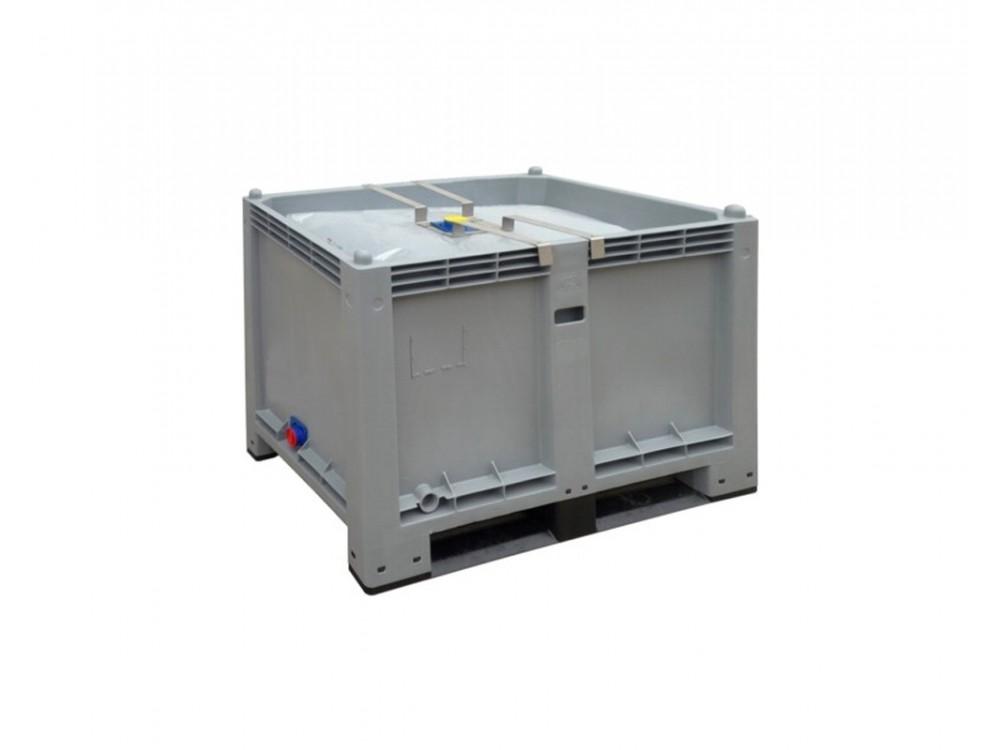 Contenitore industriale pallettizzabile per liquidi