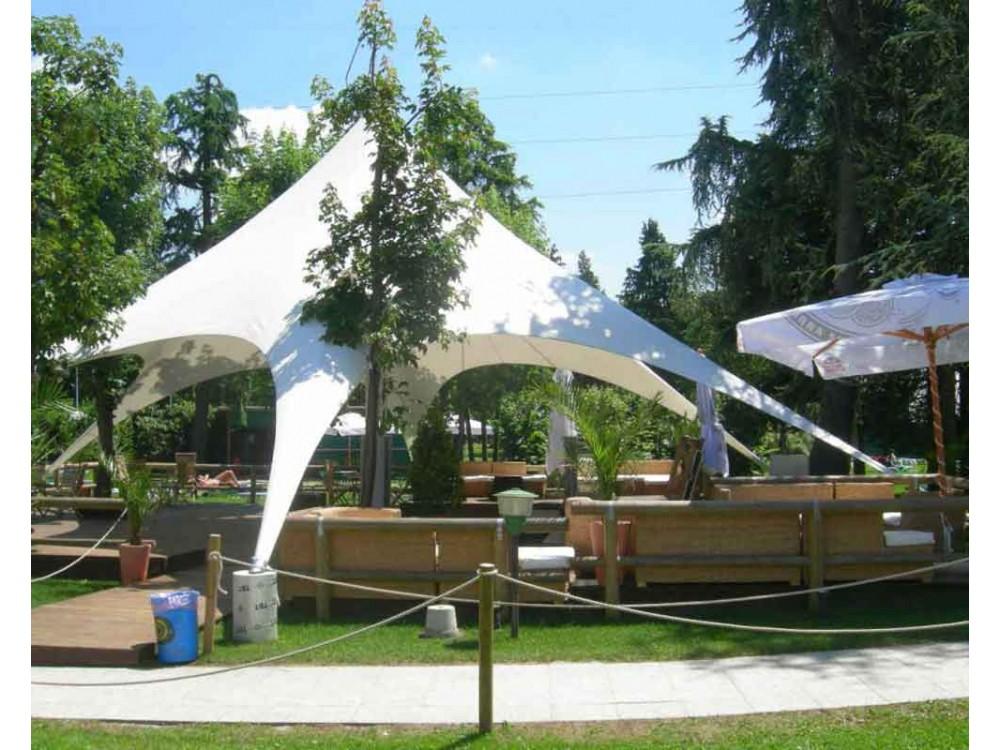 Tensostruttura di design per eventi all'aperto