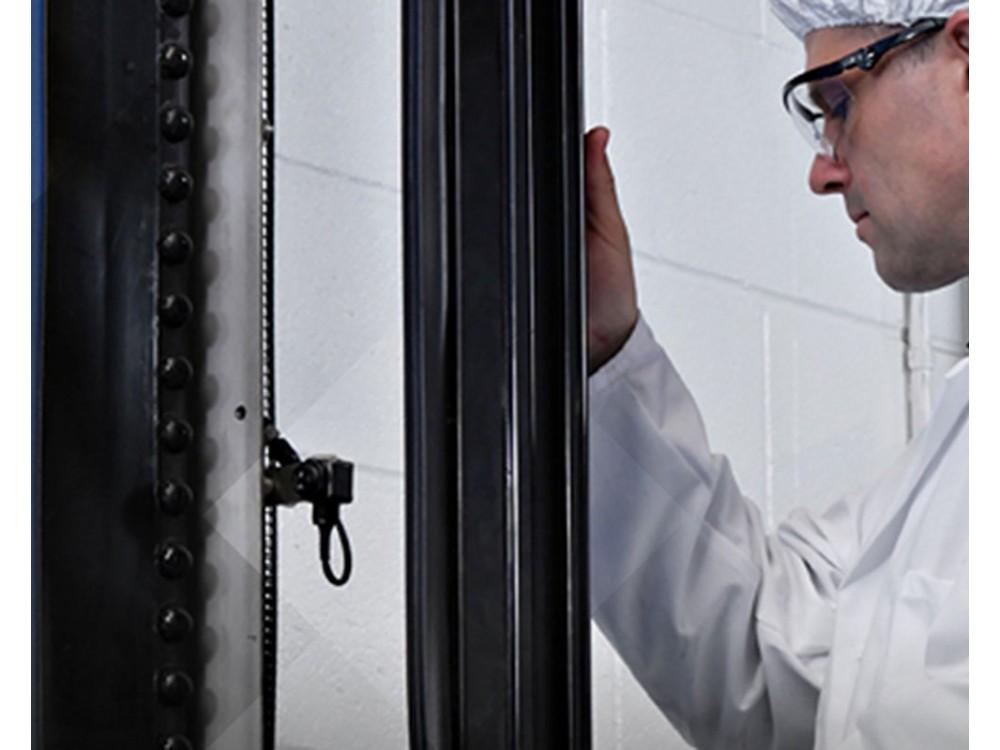 Assistenza e riparazione porte industriali
