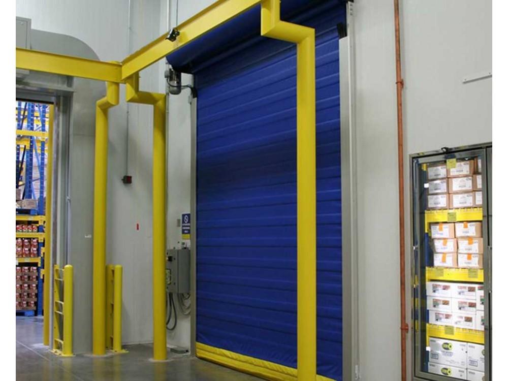 Porta coibentata per magazzini frigoriferi e celle frigo