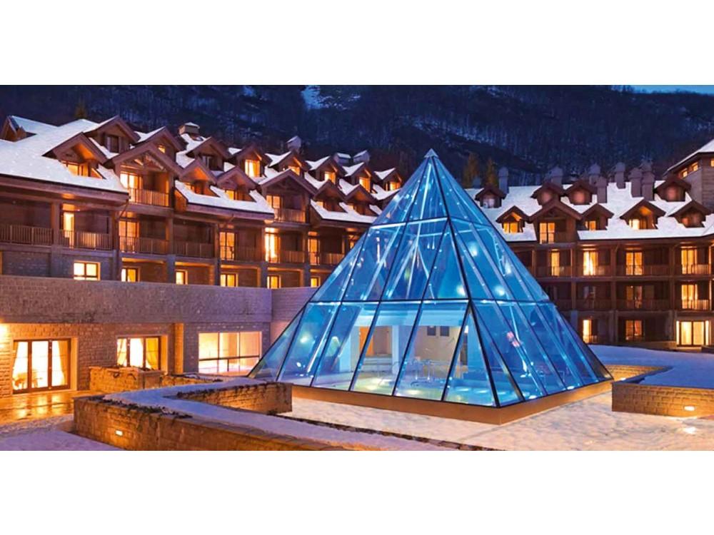 Strutture a piramide in vetro a isolamento termico
