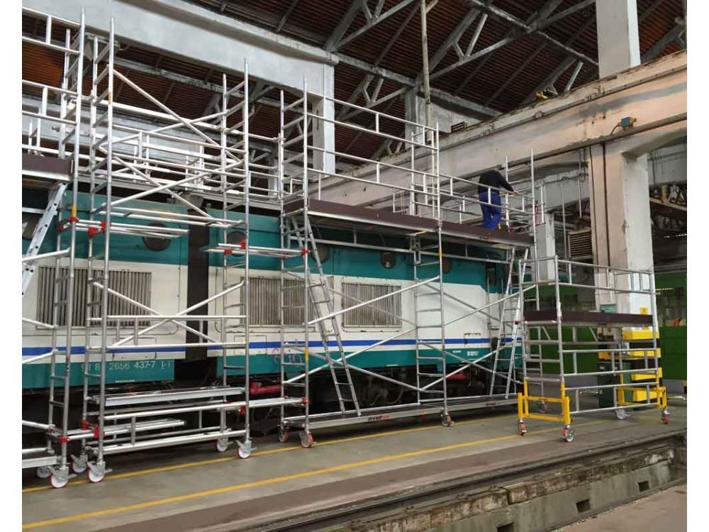 Ponteggio speciale per lavoro in quota su treni