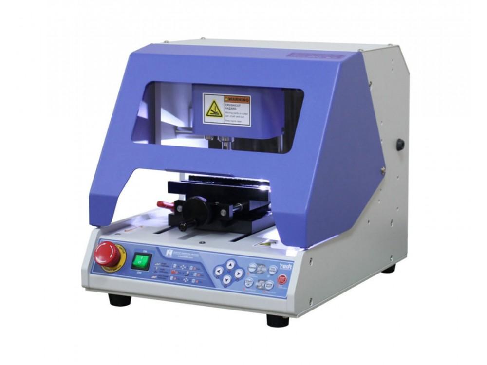 Marcatore a graffio per targhette e oggetti vari