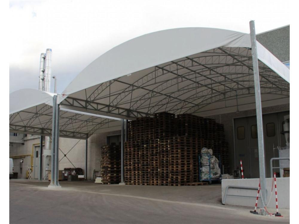 Tendostruttura automontante per area carico-scarico