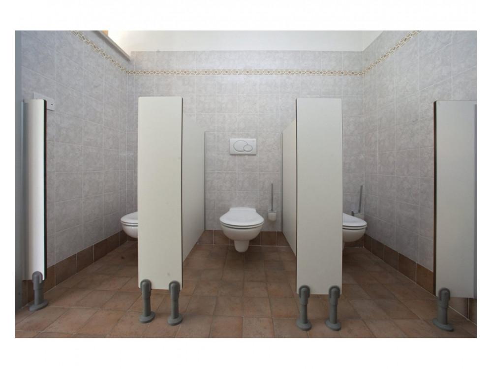Divisori frontalini per servizi igienici scolastici