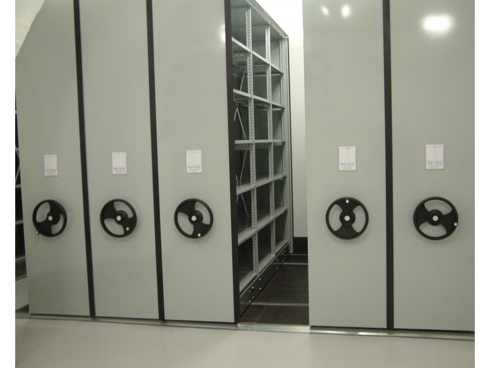 Archivi compattabili con scaffalatura componibile a incastro