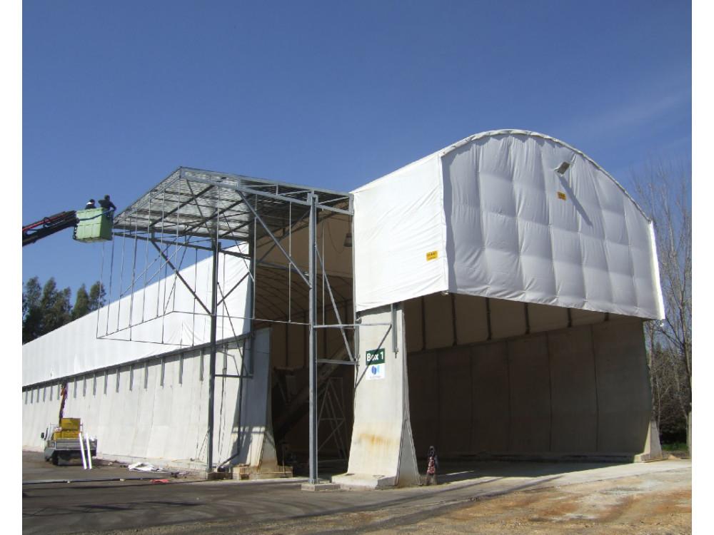 Grande copertura speciale con struttura in carpenteria metallica