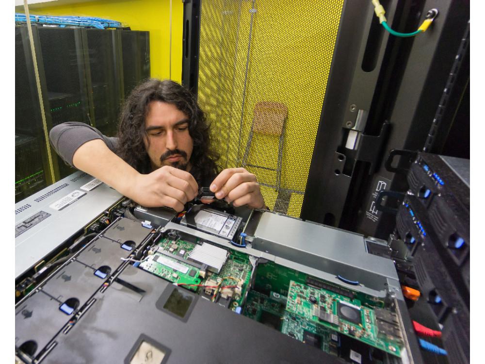 Servizi di manutenzione server per tutte le aziende