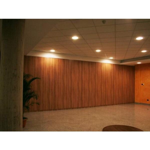 Pareti mobili in area reception ceit bybox for Mobili da reception