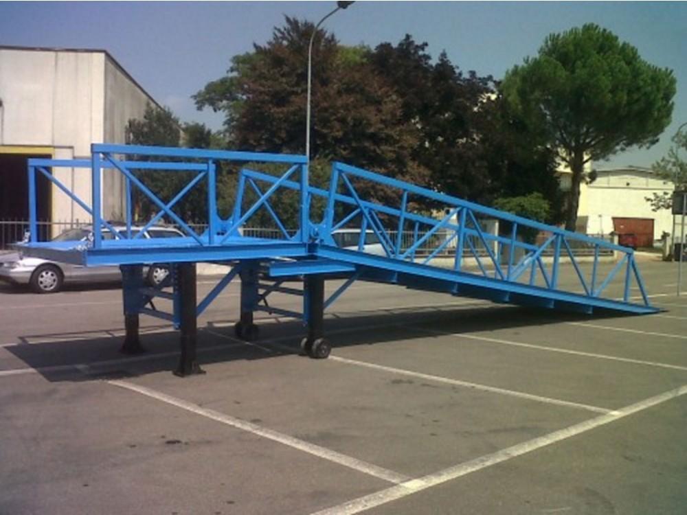 Rampe da piazzale con struttura in ferro in ferro per transiti pesanti e intensivi