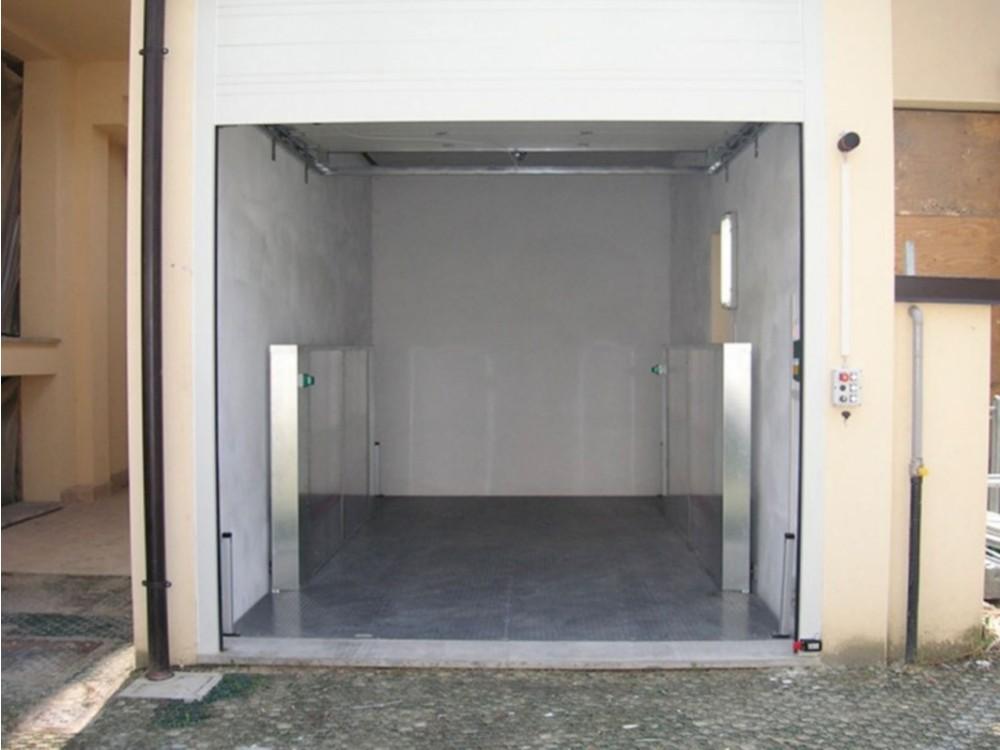 Elevatore a grandissima portata in zona magazzino