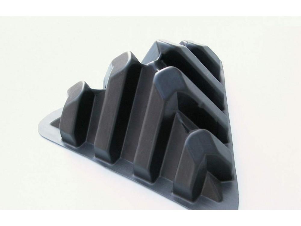 Angolari termoformati per la protezione di spigoli di ampiezza diversa