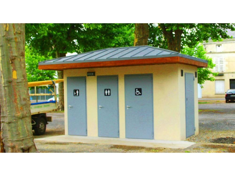Moduli bagno pubblici in calcestruzzo City HNU realizzati a Firminy