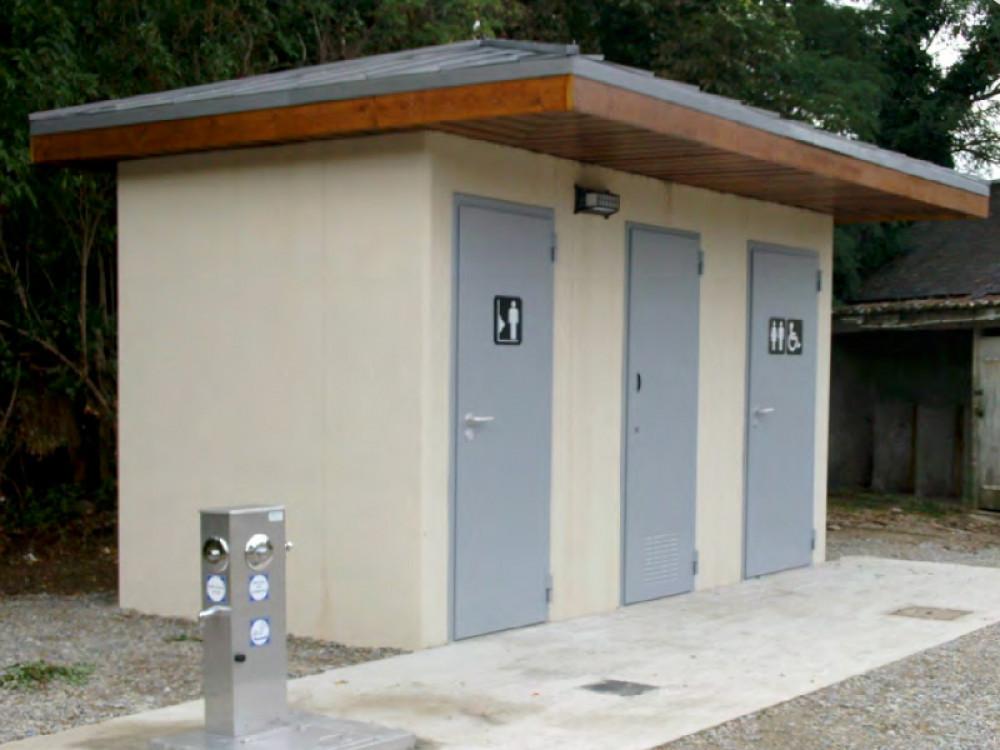 Moduli bagno pubblici in calcestruzzo City HN realizzati a Firminy