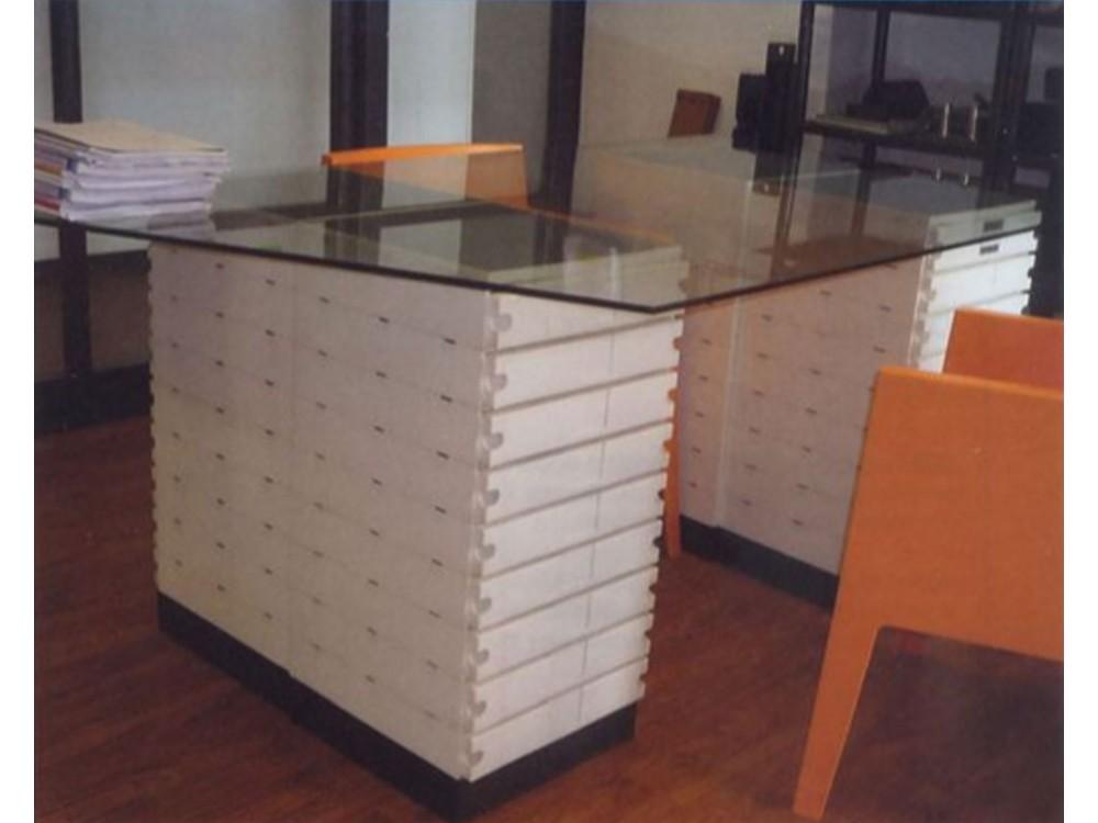 Sistemi componibili per uffici: cassettiere Memoria