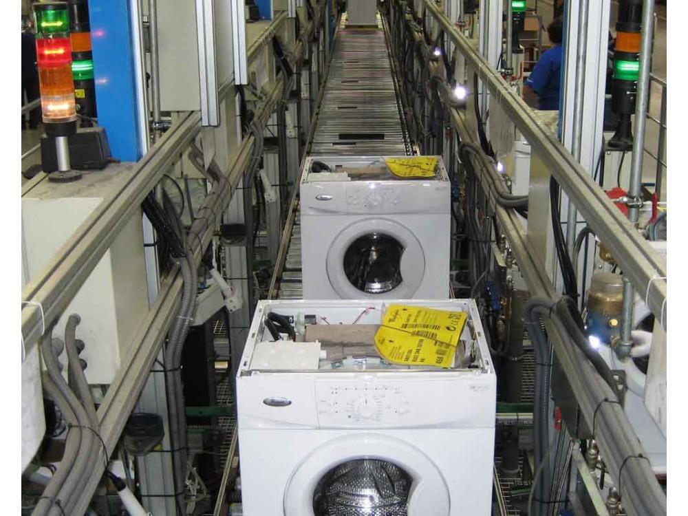 Linea di montaggio lavatrici