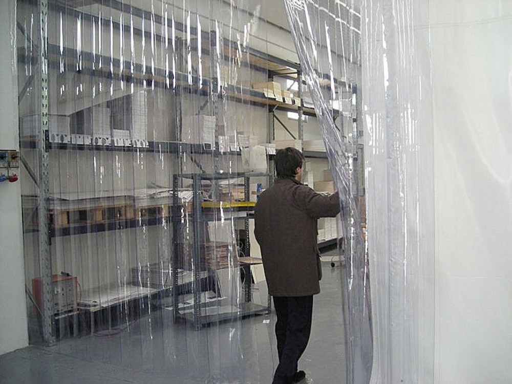 Porte e chiusure a strisce in PVC trasparente